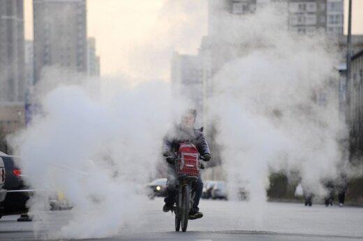 Пекинцам рекомендуют сидеть дома: воздух может убить