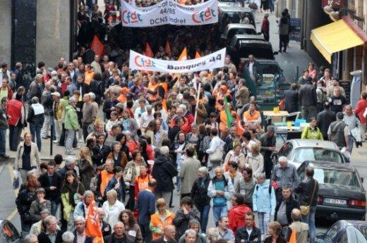 Забастовка во Франции: 2,5 млн человек вышли на улицы