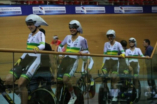 Annette Edmondson, Melissa Hoskins, Rebecca Wiasak and Amy Cure share a laugh during training. Photo courtesy of Cycling Australia.