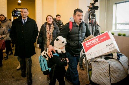 Первая приехавшая в Литву семья беженцев лишена вида на жительство