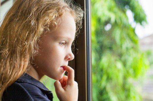 Дети бума эмиграции: растет поколение брошенных