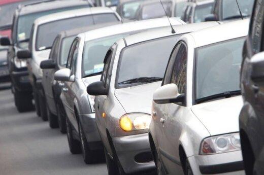 """Dauguma Europos valstybių turi """"žaliajį"""" mokestį už automobilių keliamą taršą"""