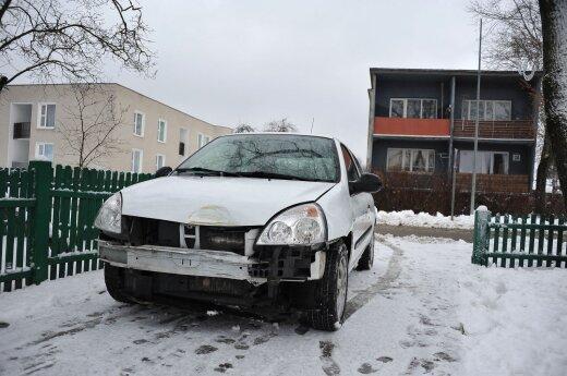 Į M. K. Čiurlionio muziejų atsitrenkė automobilis: ir tai jau ne pirmas kartas