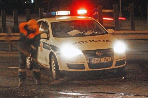 В Тракай авто пьяного водителя врезалось в машину с полицейскими
