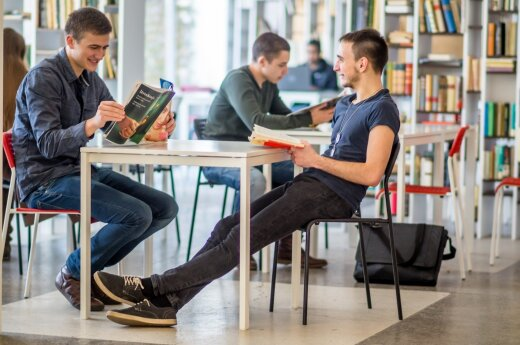 Lithuanian universities threatened by dropping enrolment