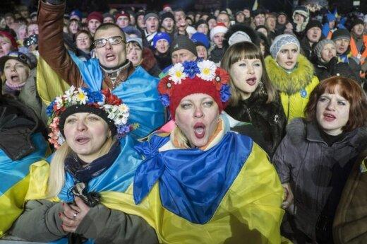 Ukrainos protestų aikštėje Naujuosius pasitiko tūkstančiai žmonių