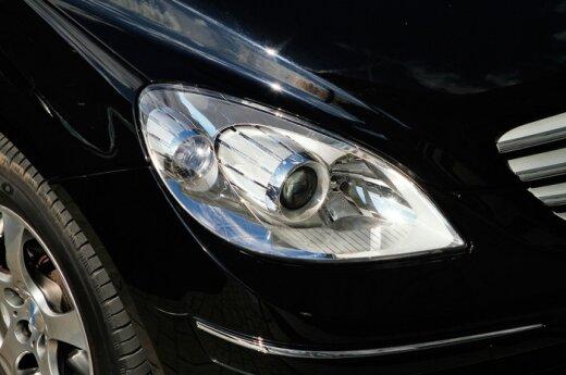 Mercedes-Benz представил обновленные купе и кабриолет E-class