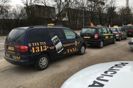 Vilnius taxi drivers strike against Uber