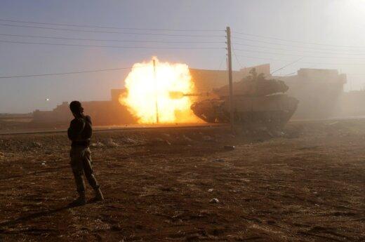 Ekspertas apie konfliktą Sirijoje: yra ženklų, kad JAV imsis ryžtingesnių veiksmų