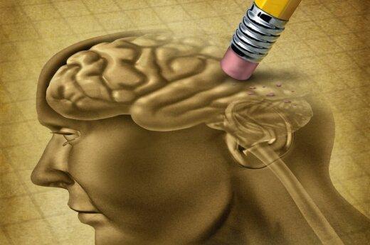 Diagnozė – Alzheimerio liga: kai žmogaus gyvenimas lyg aktoriaus, pavėlavusio į spektaklio pradžią
