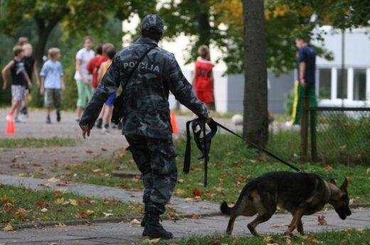 Вильнюсская полиция ищет мужчину, изнасиловавшего школьницу