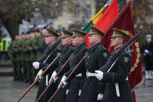 Defence Minister's position on conscription 'irresponsible', says army founder