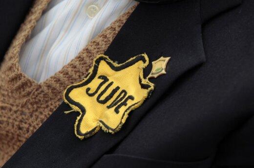 Lithuanian prosecutors 'should look into list of Holocaust perpetrators'
