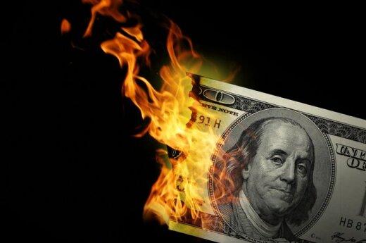 pinigai dega