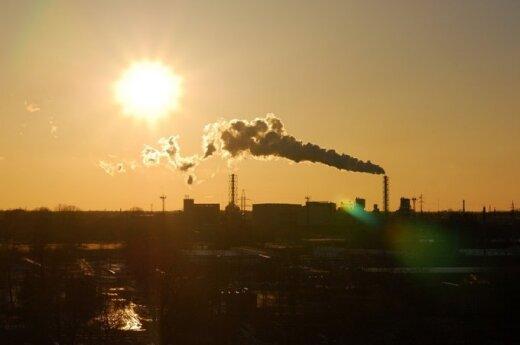 Kaliningrade gamyklų darbuotojus siunčia atostogų