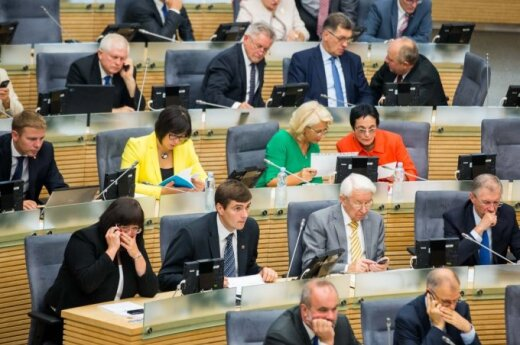 Lithuanian parliament sends budget bill back to government for improvement