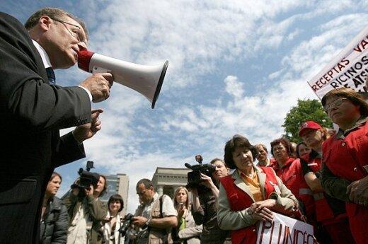 Čaplikas: przeciwko zakazowi kandydowania dla posiadaczy Karty Polaka