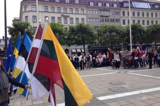 Molotov-Ribbentrop Pact and Baltic Way anniversaries commemorated in Stockholm