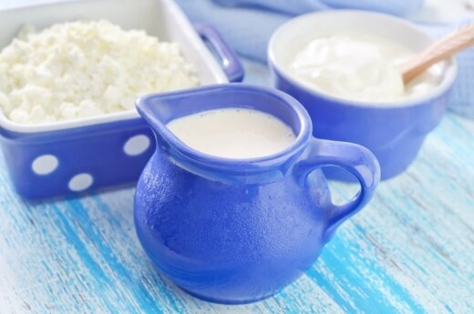 Pasigirsta vis daugiau nuomonių apie pieno žalą