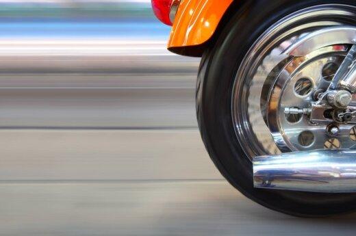 Новый мировой рекорд: 272 км/ч на одном колесе