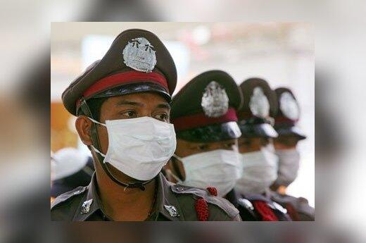 Tailando policininkai Pi Pi saloje.