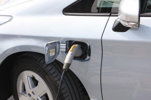 Китайцы хотят собирать в Литве электромобили