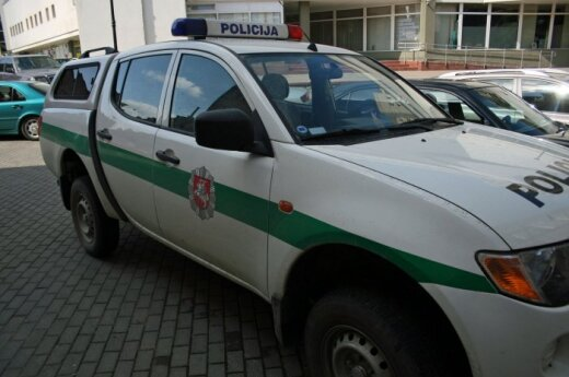 Пьяный полицейский перевернулся на служебной машине