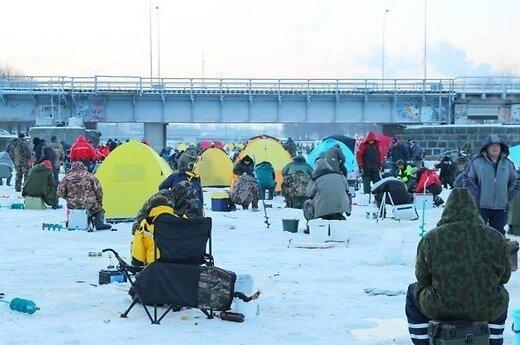 В Лиепае собралось невероятное количество рыбаков