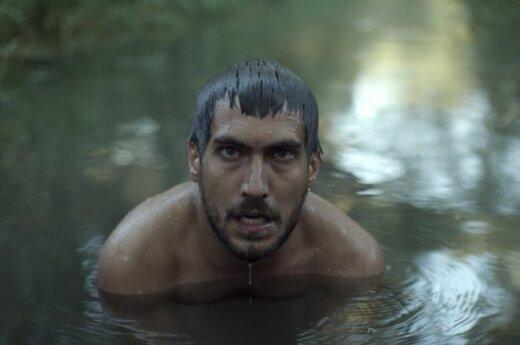 """SCANORAMA. DELFI apžvalgininkė – apie filmą """"Ten, už kalvos"""""""