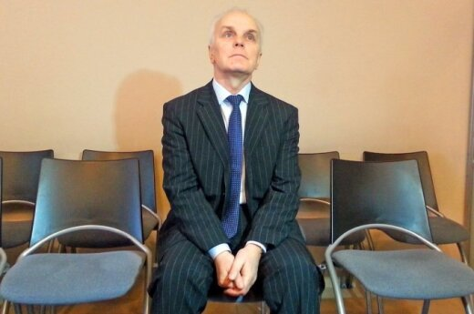 B. Burgio byla: paviešinti slapti įrašai