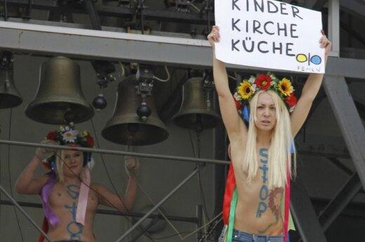 """""""Femen"""" aktyvistės surengė protestą prieš abortų draudimą"""