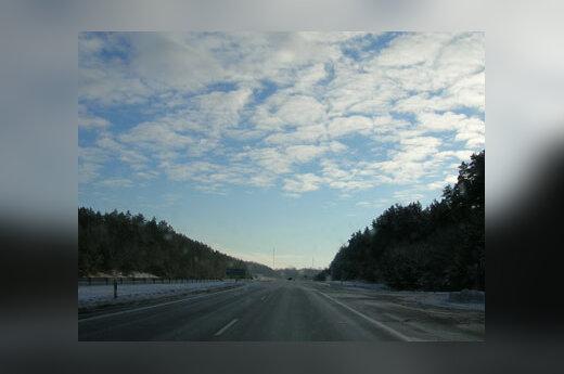 Apsnigtas kelias, žiema