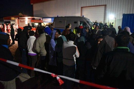 Во Франции задержан зарегистрированный в Литве грузовик, перевозивший мигрантов