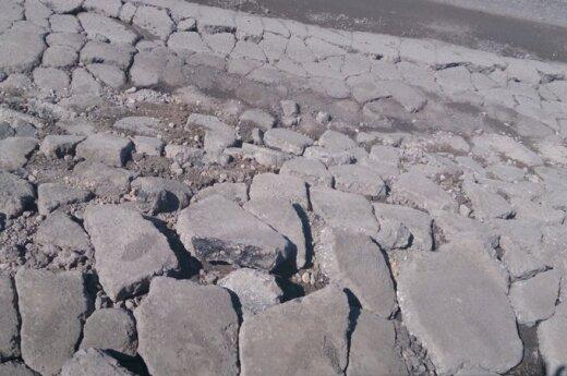 Panevėžyje gatvė subyrėjo vos po 5 metų