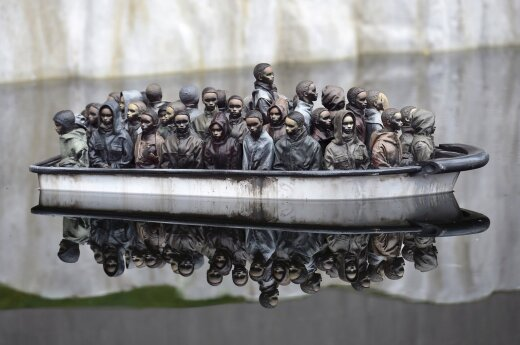 Paslaptingiausias pasaulio menininkas į nykumos parką pakvietė ir lietuvę