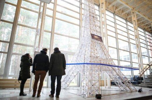 Aukščiausio popierinio Eifelio bokšto maketo pristatymas
