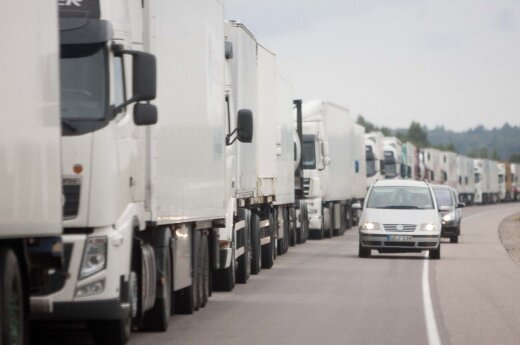 Truck jam at international ferry ports over Russia-Poland dispute