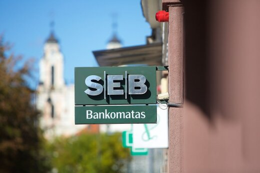 Negative interest forces SEB Bank to raise cash service prices