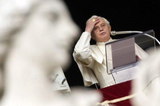 Папа Римский попросил прощения за поведение священников-педофилов