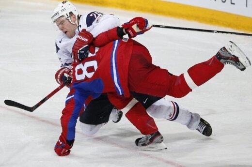 У сборной России по хоккею сменится тренер