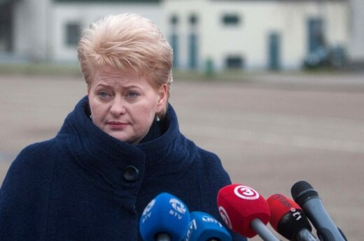 Notowania Grybauskaitė spadają