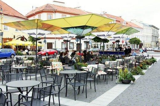 Lauko kavinėse – elgetų atakos
