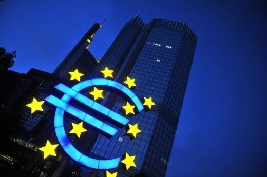 Nearly three-fourths of Lithuanians positive about euro