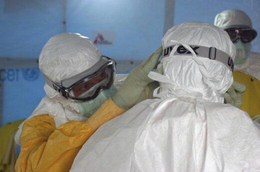 В США двух пассажиров самолета госпитализировали с признаками Эболы
