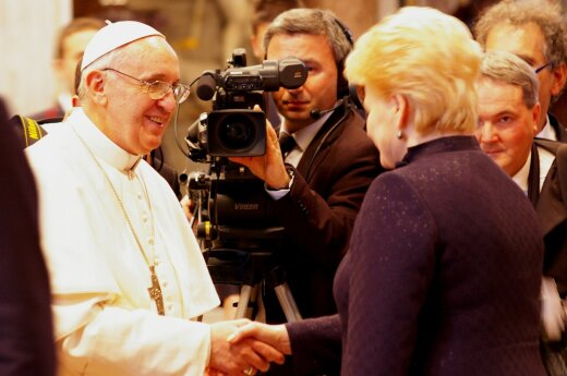 Pope Francis and Dalia Grybauskaitė. Photo M.Lingė