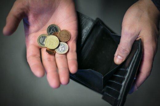 Jums neužtenka kelių šimtų eurų? Paskaičiuokit, kaip gyvename mes