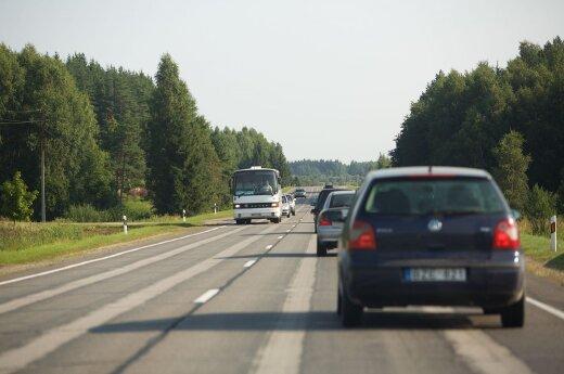 Instruktorių stebina lietuvių požiūris į automobilius: mąstymas kaip iš praeito amžiaus