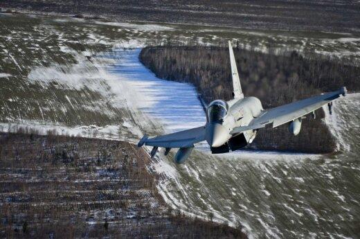 """Naikintuvas """"Eurofighter Typhoon"""" (V. Eivos nuotr.)"""