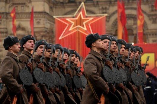 Как формируется российское коллективное сознание: запугивание, теории заговора, старые раны
