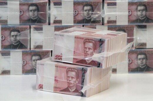 SEB bankas: paskui žmones į Britaniją emigruoja ir pinigai